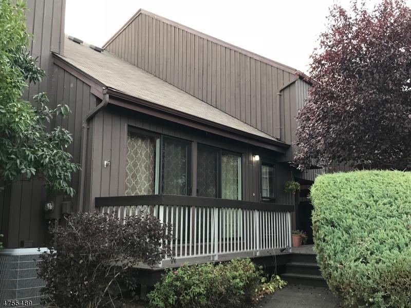 Maison unifamiliale pour l à louer à 28-14 BLOOMINGDALE Drive Hillsborough, New Jersey 08844 États-Unis