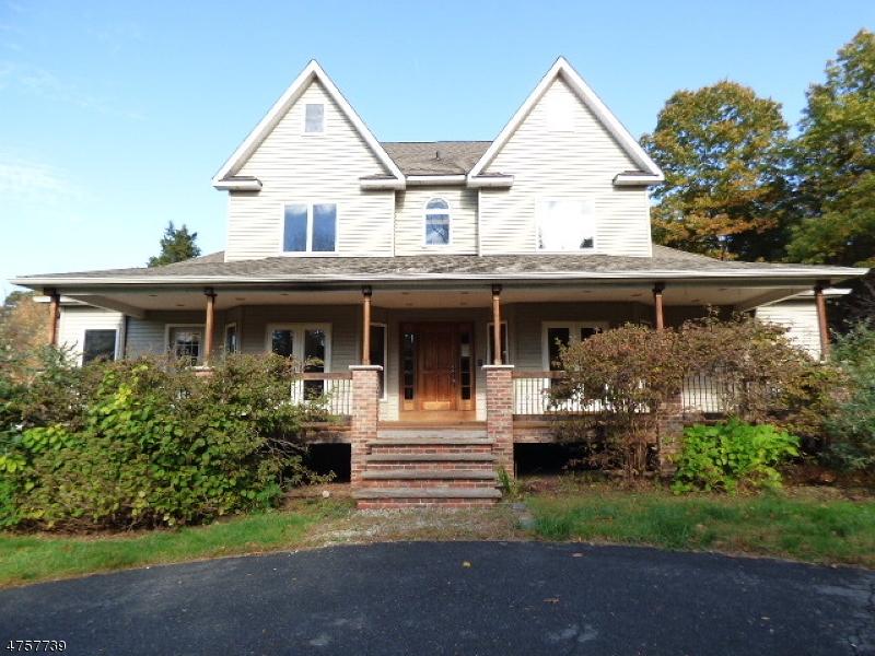 Einfamilienhaus für Verkauf beim 34 Luchetti Way 34 Luchetti Way Andover Township, New Jersey 07860 Vereinigte Staaten