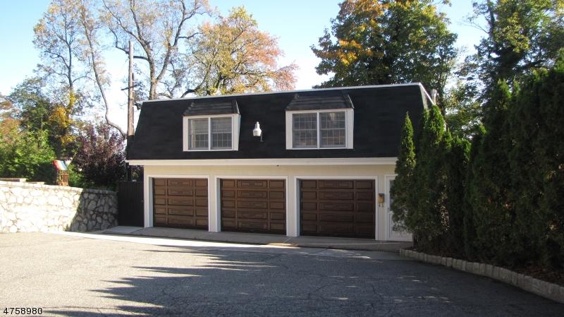 Частный односемейный дом для того Аренда на 43A Highland Avenue Montclair, Нью-Джерси 07042 Соединенные Штаты