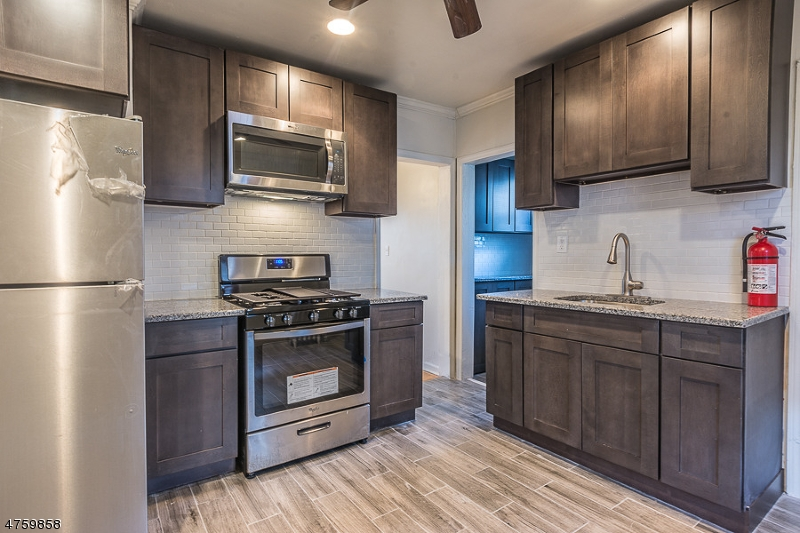 Maison unifamiliale pour l à louer à 1138-40 W 6TH Street Plainfield, New Jersey 07063 États-Unis
