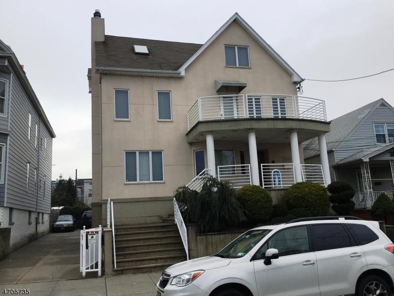 独户住宅 为 销售 在 140 W 25th Street Bayonne, 新泽西州 07002 美国