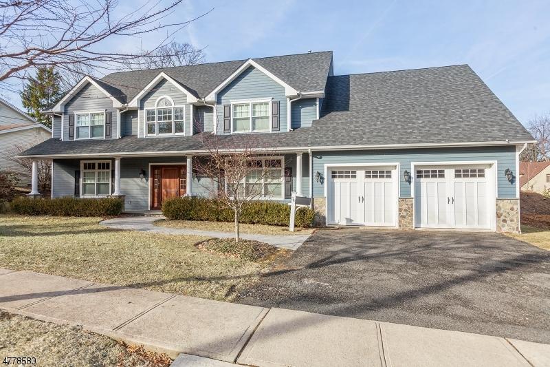 Частный односемейный дом для того Продажа на 34 Condit Court Roseland, Нью-Джерси 07068 Соединенные Штаты