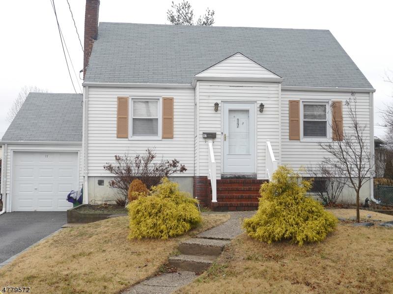 Частный односемейный дом для того Продажа на 17 Sand Hill Court Little Ferry, Нью-Джерси 07643 Соединенные Штаты