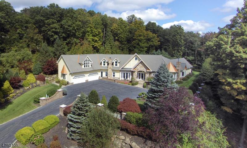 Property por un Venta en 814 W Shore Drive Kinnelon, Nueva Jersey 07405 Estados Unidos