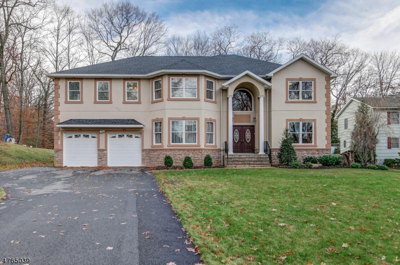 Casa Unifamiliar por un Venta en 19 Park Road Morris Plains, Nueva Jersey 07950 Estados Unidos