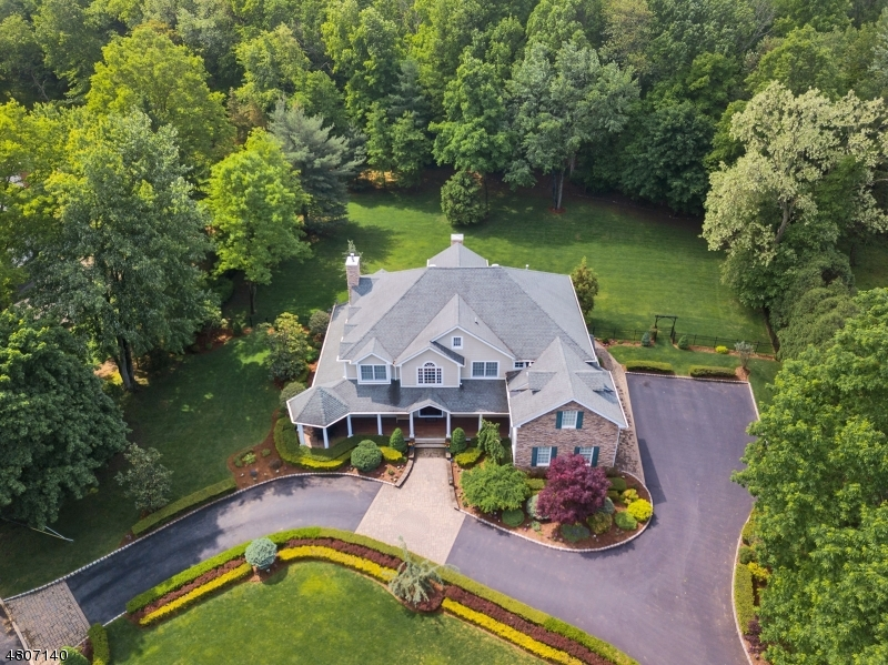Single Family Home for Sale at 10 Riverview Lane Ho Ho Kus, New Jersey 07423 United States