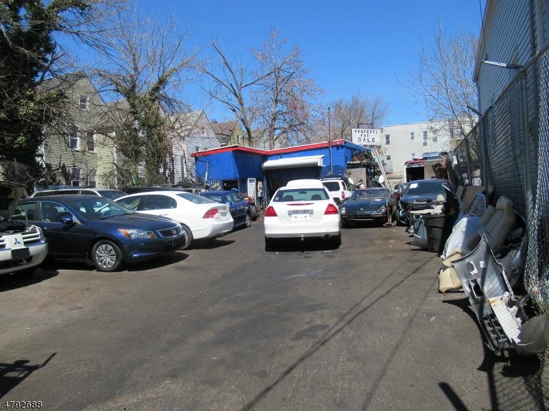 商用 为 销售 在 522 E 19TH Street Paterson, 新泽西州 07524 美国