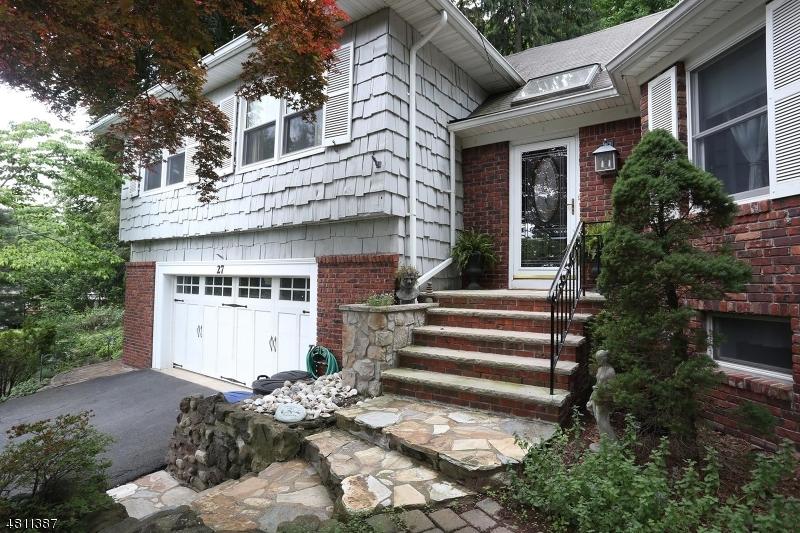 Casa Unifamiliar por un Venta en 27 NIXON Court Hawthorne, Nueva Jersey 07506 Estados Unidos