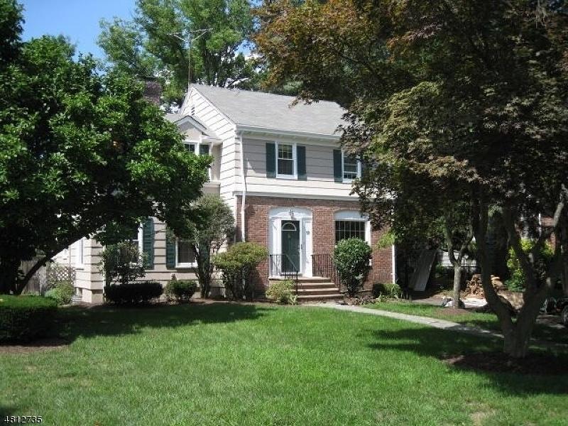 Maison unifamiliale pour l à louer à 19 REEVE Circle Millburn, New Jersey 07041 États-Unis