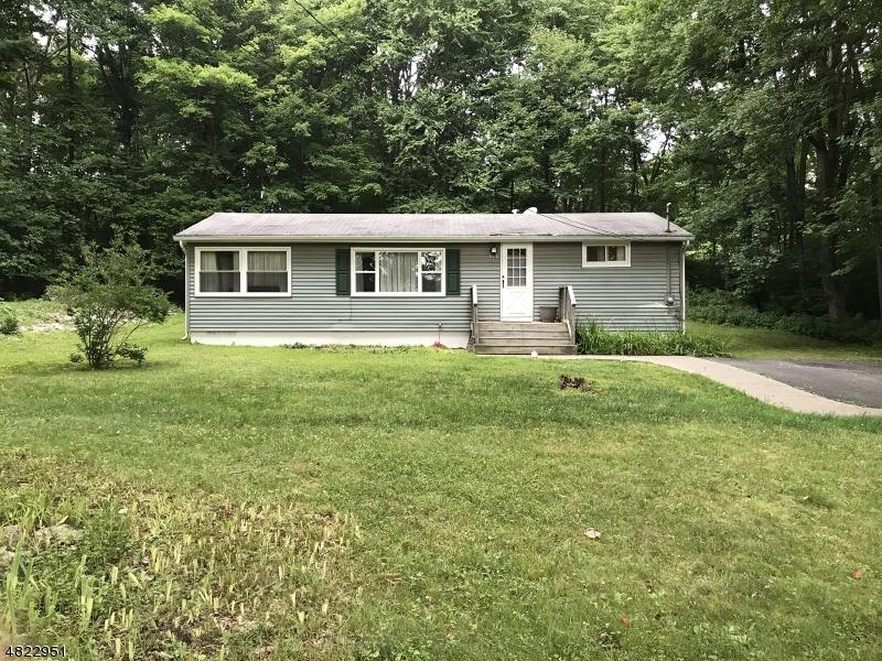 独户住宅 为 销售 在 912 CURVING Lane Stillwater, 新泽西州 07860 美国