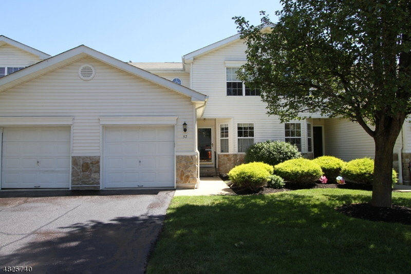Condo / Townhouse for Sale at 57 LAKEVIEW Drive Hamburg, New Jersey 07419 United States