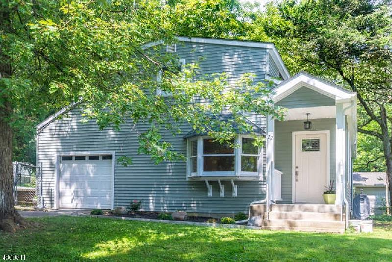 独户住宅 为 销售 在 22 Ardena Road 西米尔福德, 新泽西州 07421 美国