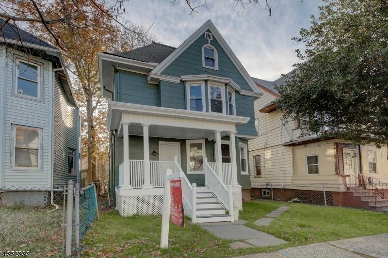 Maison unifamiliale pour l Vente à 128 N ESSEX Avenue Orange, New Jersey 07050 États-Unis
