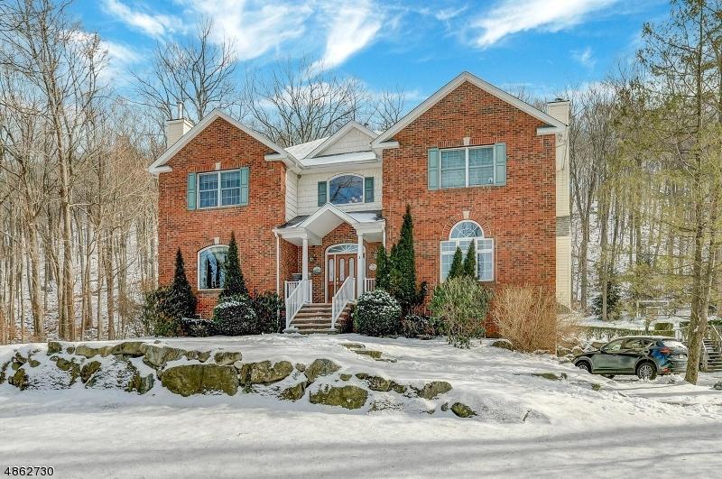 Частный односемейный дом для того Продажа на 44 Coventry Way Ringwood, Нью-Джерси 07456 Соединенные Штаты