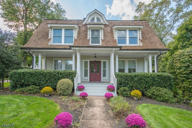 Single Family Home for Sale at 11 BLACKBURN RD 11 BLACKBURN RD Summit, New Jersey 07901 United States