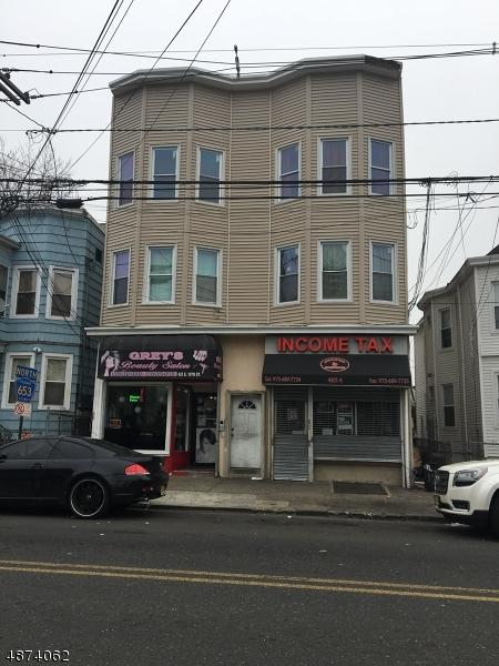 Commercial pour l Vente à 421 E 18th Street Paterson, New Jersey 07524 États-Unis