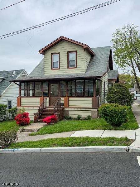 Maison unifamiliale pour l Vente à Prospect Park, New Jersey 07508 États-Unis