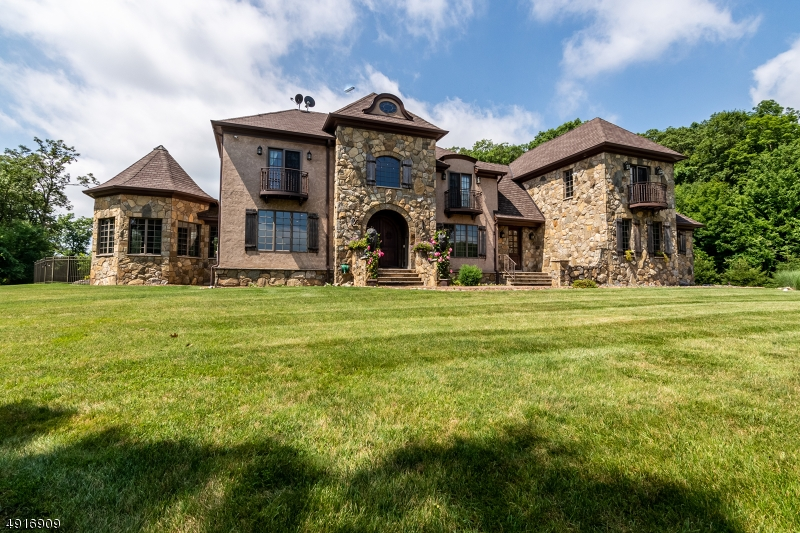 Single Family Homes pour l Vente à Sparta, New Jersey 07871 États-Unis
