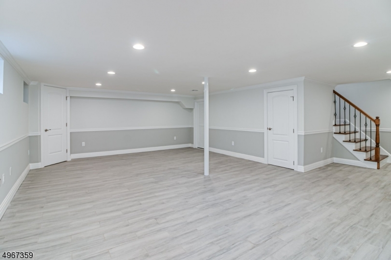 Additional photo for property listing at  Mountainside, New Jersey 07092 Hoa Kỳ