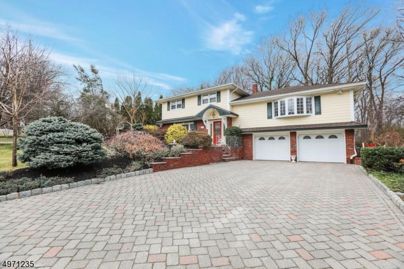 Single Family Homes vì Bán tại Paramus, New Jersey 07652 Hoa Kỳ