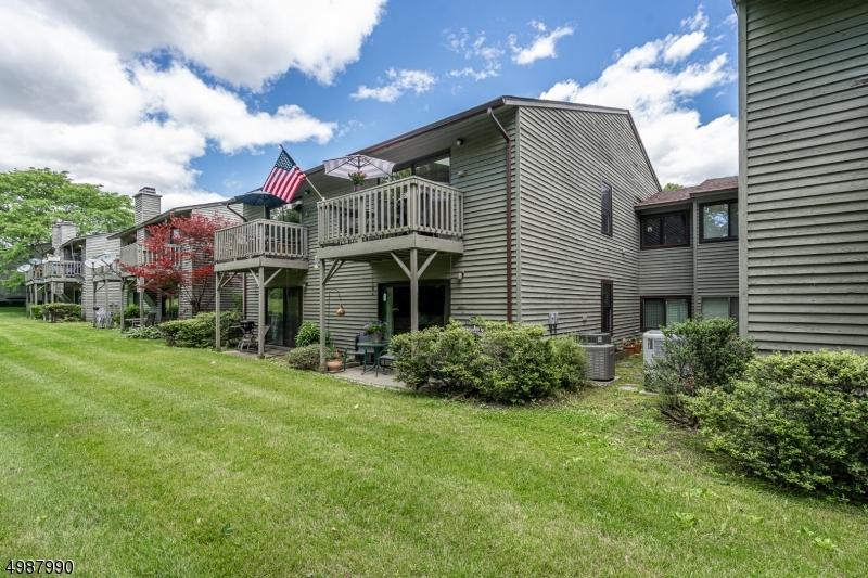 マンション / タウンハウス のために 売買 アット Glen Gardner, ニュージャージー 08826 アメリカ