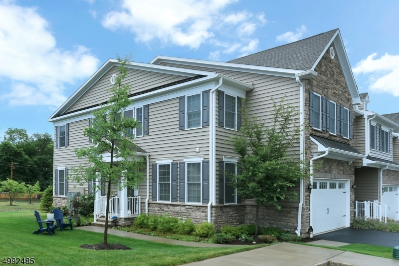 Condo / Townhouse for Sale at Morris Township, New Jersey 07960 United States