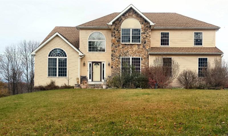 Частный односемейный дом для того Продажа на 9 Forest Lane Belvidere, 07823 Соединенные Штаты