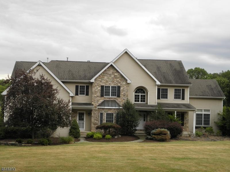 Частный односемейный дом для того Продажа на 68 Dreahook Road Whitehouse Station, 08889 Соединенные Штаты