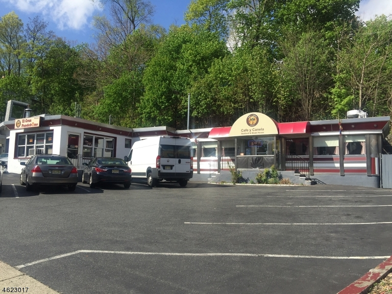 Additional photo for property listing at 909 Main Street  Boonton, New Jersey 07005 États-Unis