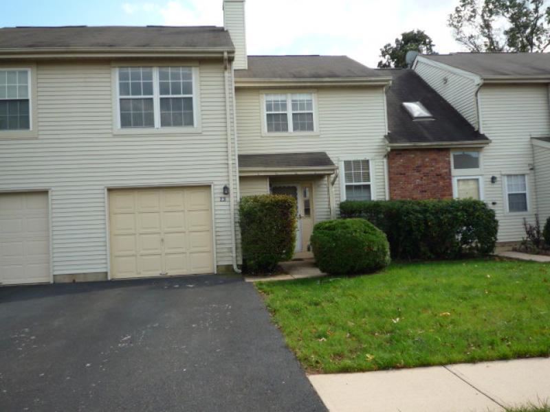 独户住宅 为 销售 在 75 Avebury Place 萨默赛特, 新泽西州 08873 美国