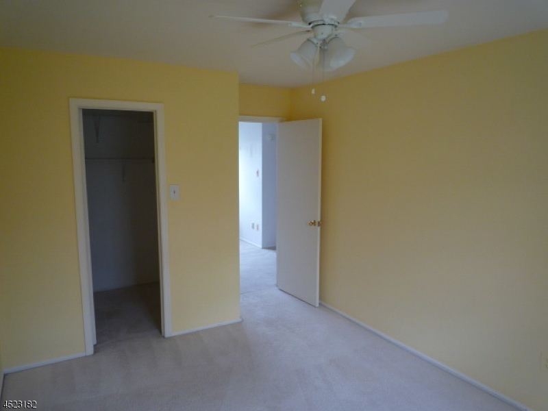 Additional photo for property listing at 75 Avebury Place  萨默赛特, 新泽西州 08873 美国