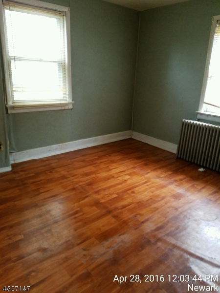 Additional photo for property listing at 49 Bryant Street  Newark, New Jersey 07104 États-Unis