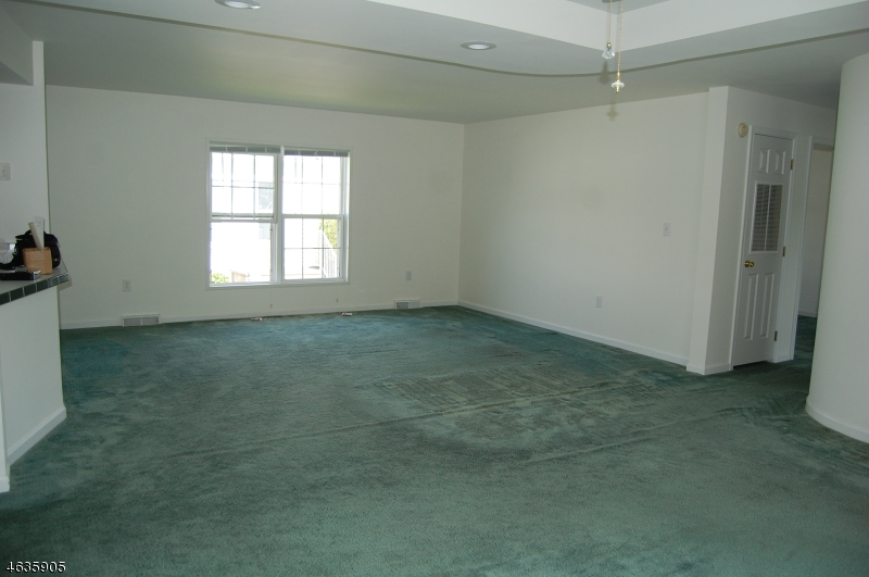 Additional photo for property listing at 3 Willow Drive  Belvidere, New Jersey 07823 États-Unis
