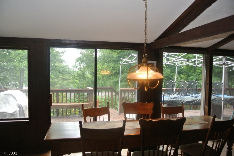 Additional photo for property listing at 19 Crestwood Trail  Sparta, New Jersey 07871 États-Unis