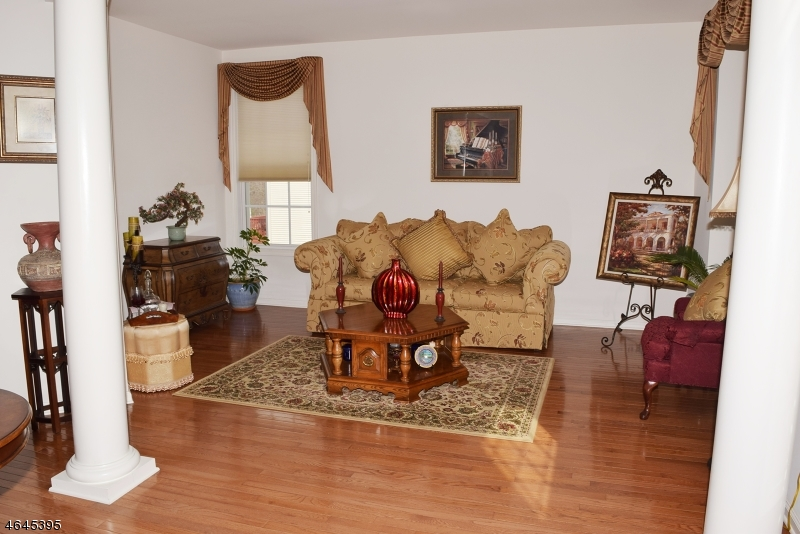 Additional photo for property listing at 7 Red Maple Lane  Flanders, Nueva Jersey 07836 Estados Unidos