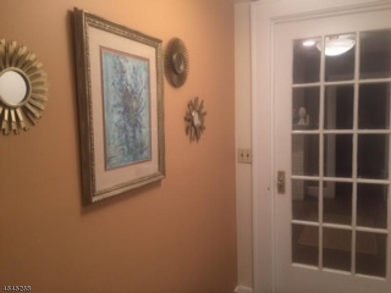 独户住宅 为 销售 在 Address Not Available 克利夫顿, 新泽西州 07014 美国