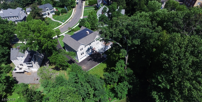 Additional photo for property listing at 48 Hawthorne Place  Summit, New Jersey 07901 États-Unis