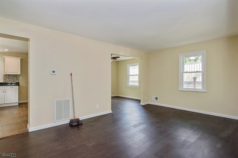 Additional photo for property listing at 356-8 GROVE Street  Plainfield, New Jersey 07060 États-Unis