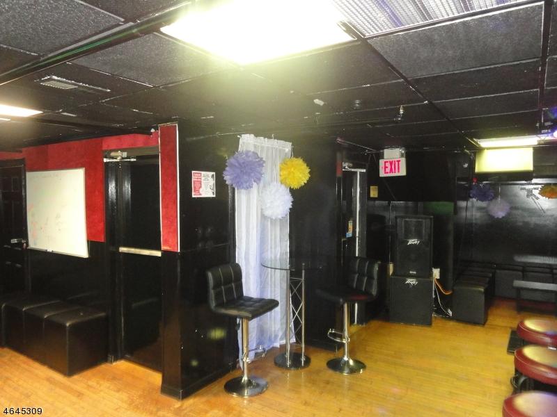 Additional photo for property listing at 66 Cherry Street  Elizabeth, Nueva Jersey 07202 Estados Unidos