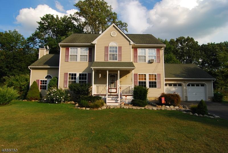 Частный односемейный дом для того Продажа на 178 FREE UNION Road Belvidere, 07823 Соединенные Штаты