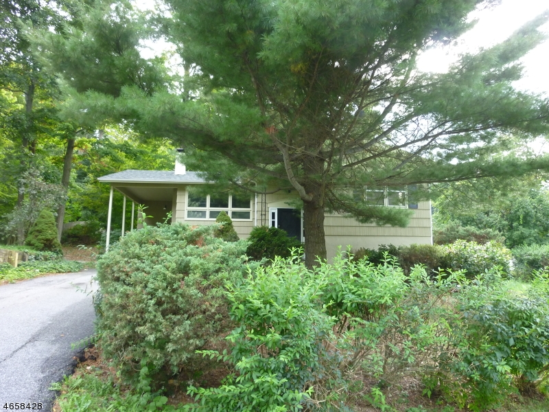 Additional photo for property listing at 30 Hickory Road  Highland Lakes, New Jersey 07422 United States