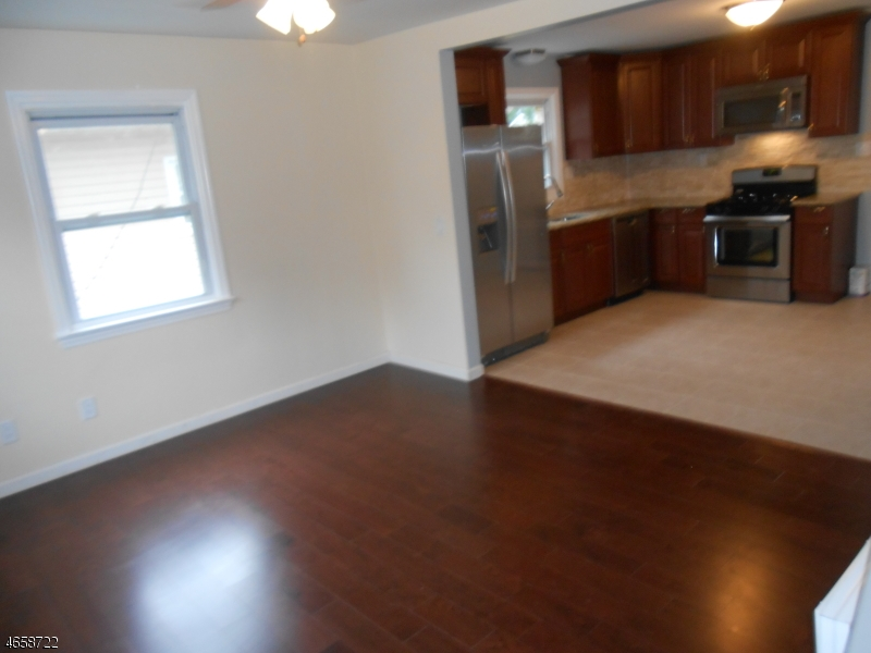 Additional photo for property listing at 2274 Price Street  Rahway, Nueva Jersey 07065 Estados Unidos