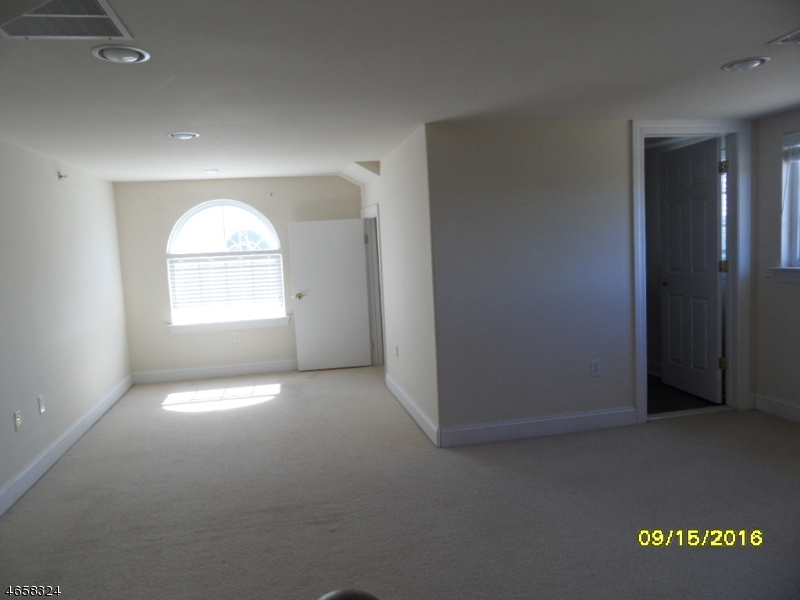 Additional photo for property listing at Address Not Available  Rahway, Нью-Джерси 07065 Соединенные Штаты
