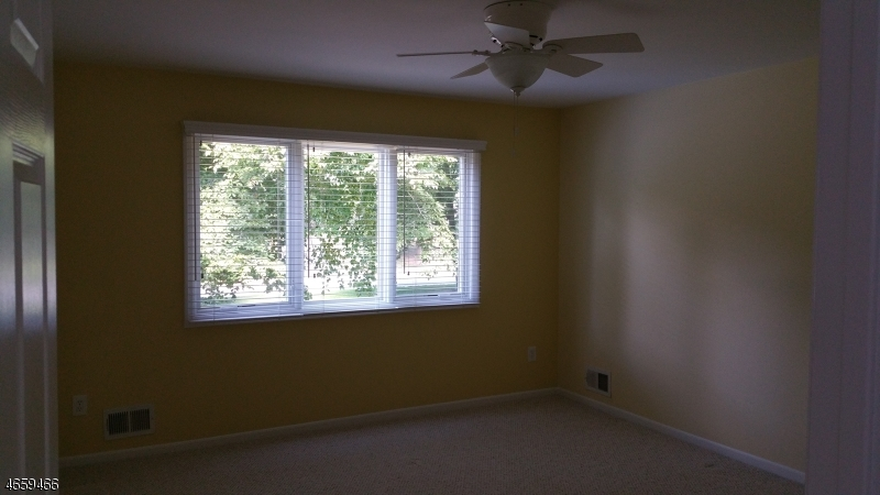 Additional photo for property listing at 14 Arbor Way  Washington, New Jersey 07853 États-Unis
