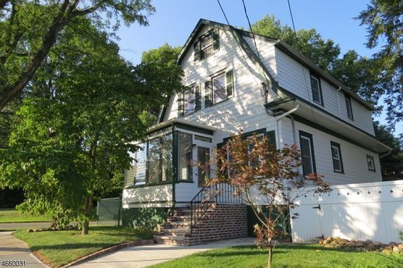 Single Family Home for Sale at 37 Oakdale Avenue Millburn, New Jersey 07041 United States