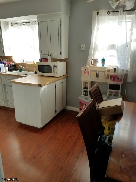 Additional photo for property listing at 30 Fairmount Avenue  North Arlington, New Jersey 07031 États-Unis