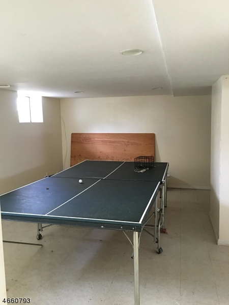 Additional photo for property listing at 1-19 GRUNAUER PL 1X  Fair Lawn, New Jersey 07410 United States