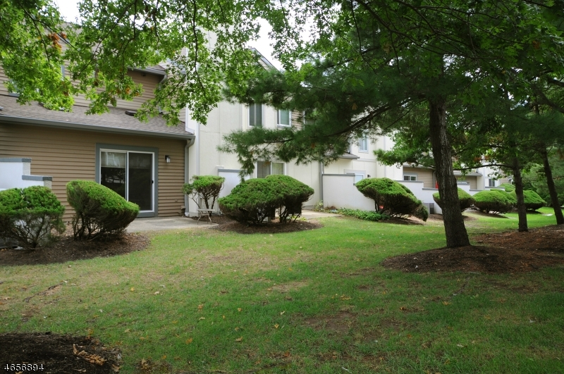 Additional photo for property listing at 955 S Springfield Ave, 306  Springfield, New Jersey 07081 États-Unis