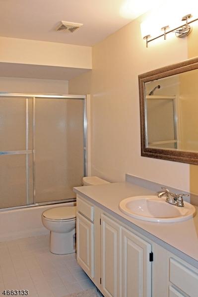 Additional photo for property listing at 20 Pillar Drive  Rockaway, Nueva Jersey 07866 Estados Unidos