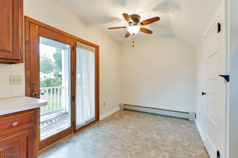 Additional photo for property listing at 9 Center Street  Netcong, New Jersey 07857 États-Unis